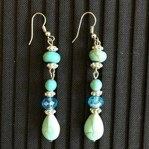 Jewelry - Cute turquoise earrings